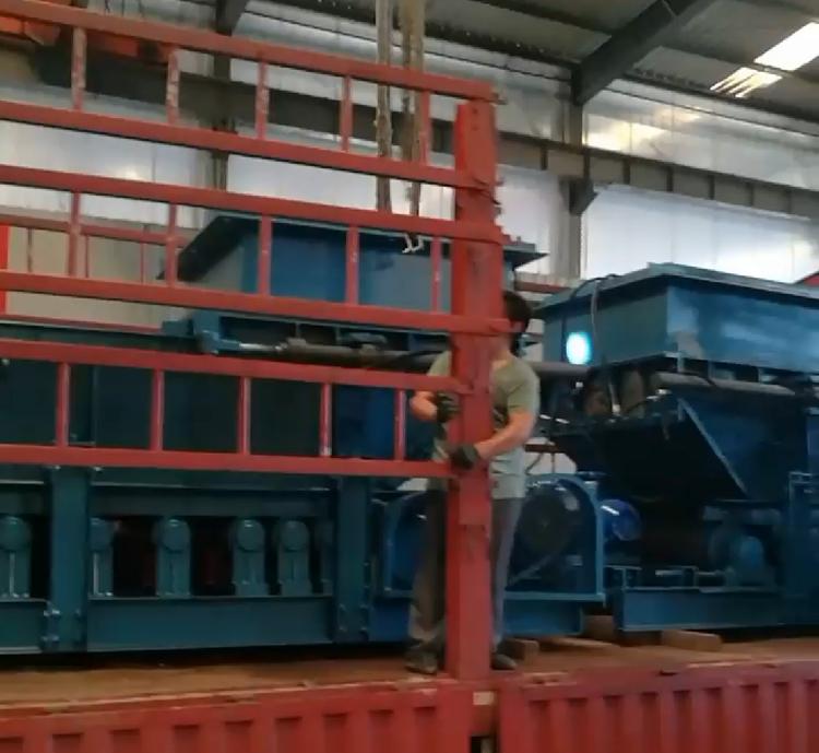 山东BB平台机电一批给煤机发货